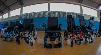 Na região da Zona da Mata, Governo de Rondônia entrega mais de 200 aparelhos de mobilidade para pessoas com deficiência
