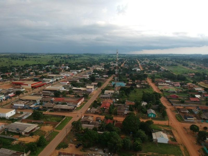 Prefeitura que transferiu alunos para escola distante quase 100 km terá que construir nova unidade escolar em 90 dias, em RO