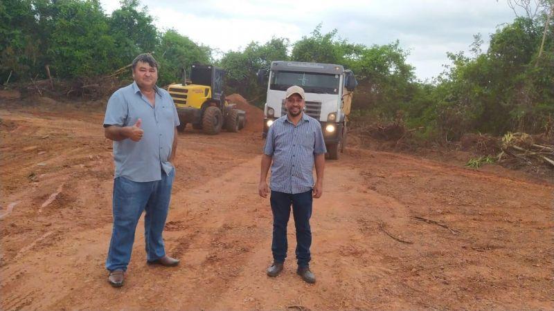 """Rolim: Eliomar Monteiro acompanha trabalhos do """"Melhor Caminho"""" da Semagri no setor chacareiro"""