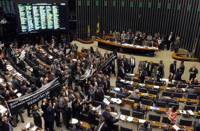 Confira as principais propostas aprovadas pela Câmara dos Deputados em 2015