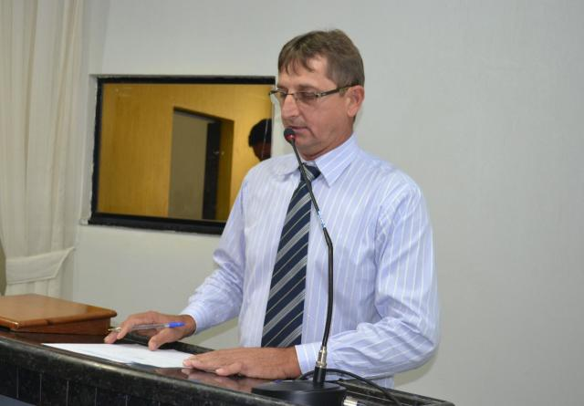 Enio Reinicke intercede por escolas e busca recursos junto à bancada estadual
