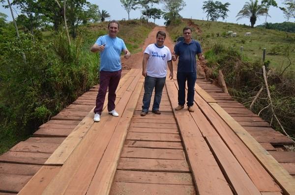 Prefeitura de Rolim de Moura recupera mais três pontes de madeira