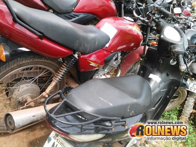 Cacoal: Duas motos com registro de roubo e furto foram abandonadas