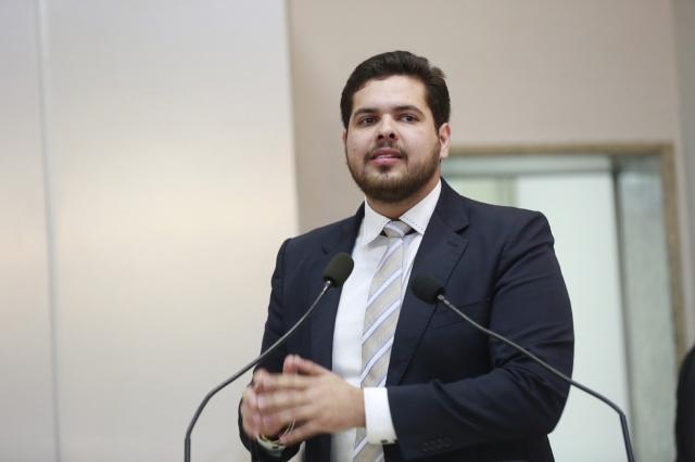 Jean Oliveira agradece  governo pela  reforma do  prédio do CEEJA de Alta Floresta D'oeste