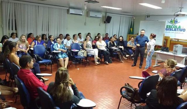 Escola do Legislativo chega a mais seis municípios