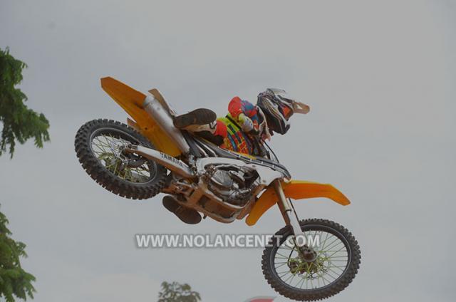 Palco pronto para a final da Copa Limero de Motocross em Alta Floresta do Oeste
