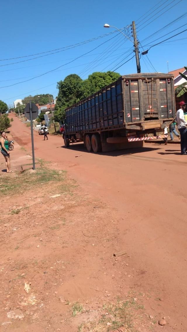 Motociclista morre após colisão com caminhão boiadeiro em Cacoal