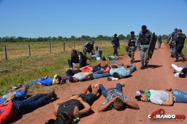 Vídeo: Ação rápida da Polícia prende mais de 53 criminosos que invadiram fazenda e aterrorizaram família no interior
