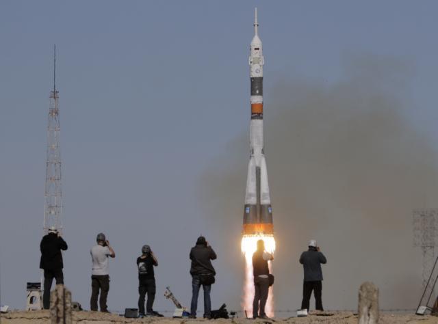 Falha no motor obriga Soyuz MS-10 a retornar para base no Cazaquistão