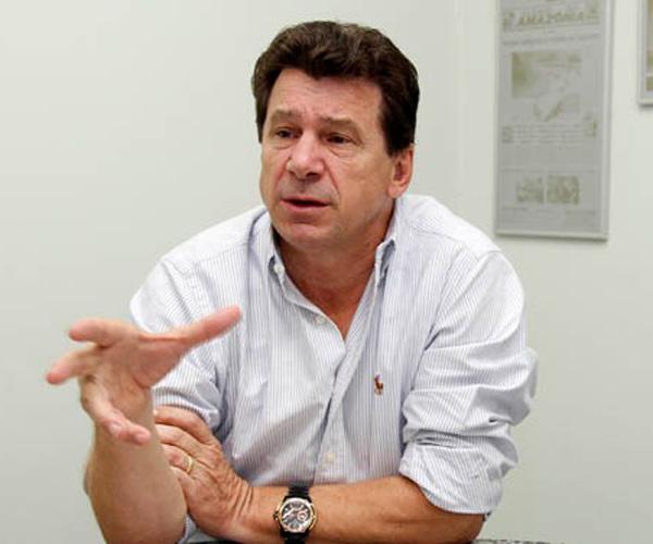 PENA - VÍDEO: Ivo Cassol presta serviço no Corpo de Bombeiros de Rolim de Moura
