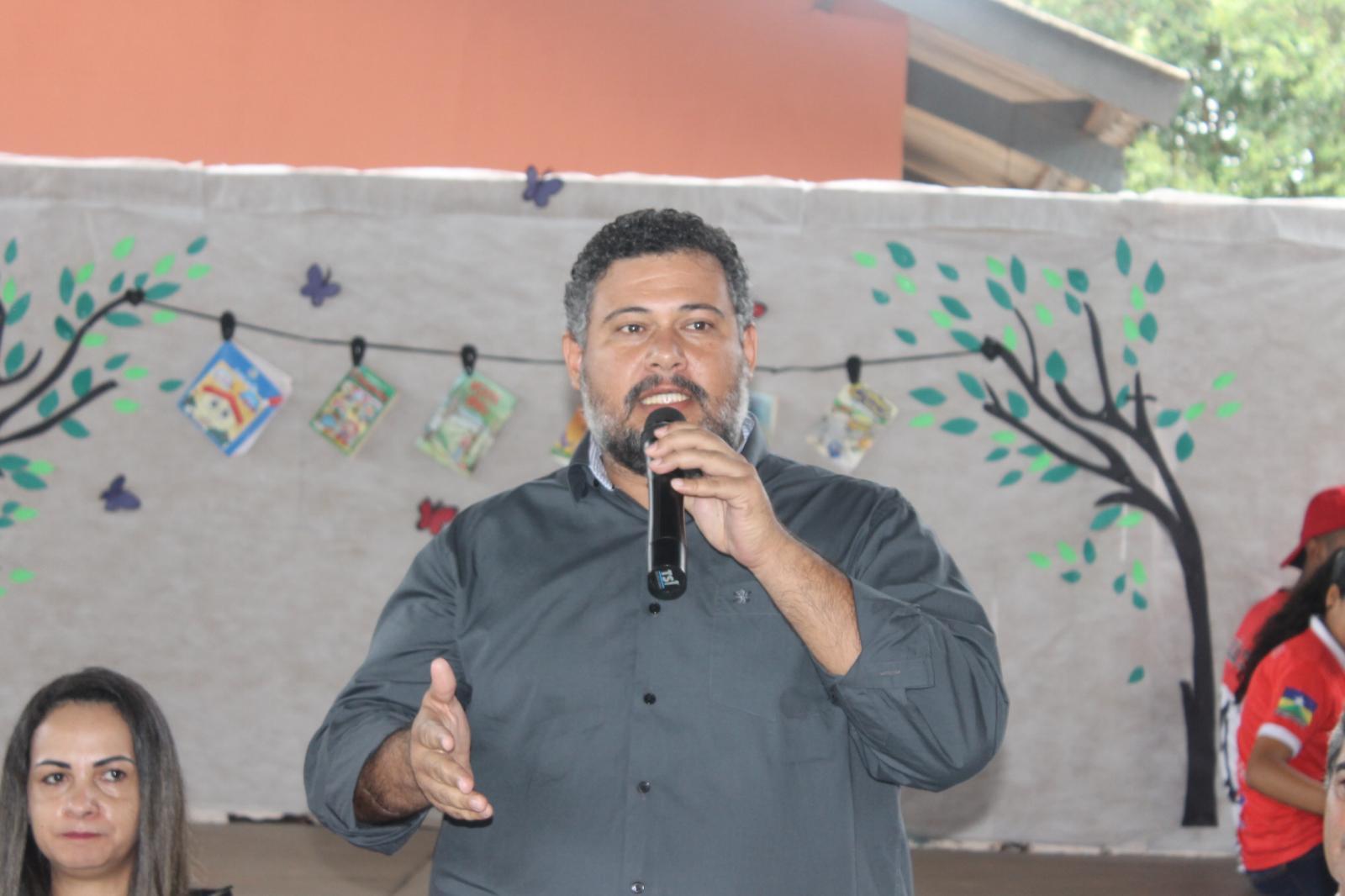 Vereador Dr. Lauro prestigia abertura do CTDA no Colégio Tancredo