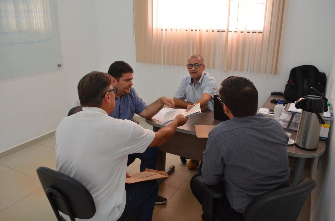 FIM DO SOFRIMENTO: Vereador Chico do Sindicato garante água tratada para moradores do Cidade Alta