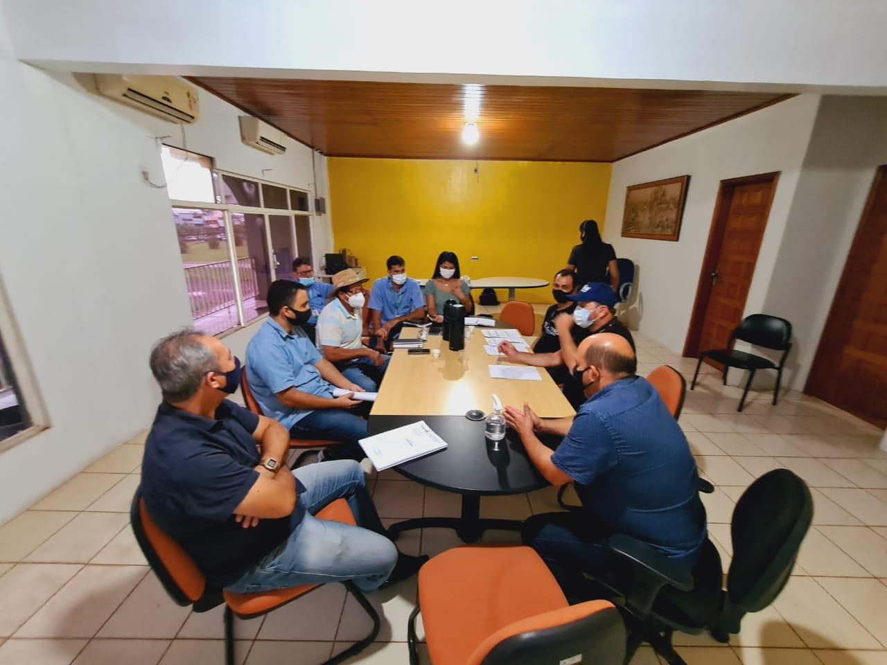 Rolim de Moura – Deputado Cirone Deiró visita região da zona da mata e atende demandas de diversas associações