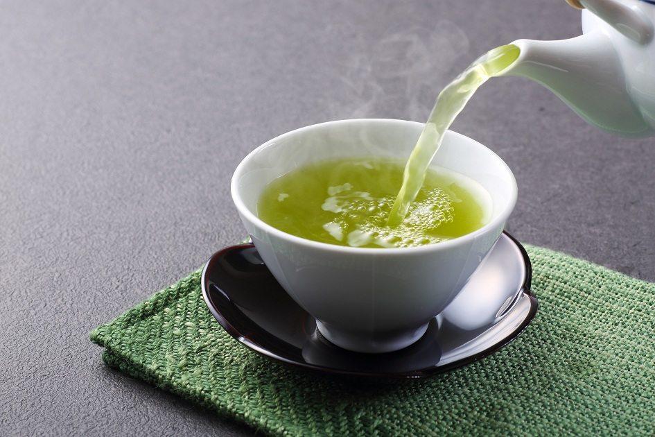 O chá de alface: a bebida faz o maior sucesso nas redes sociais