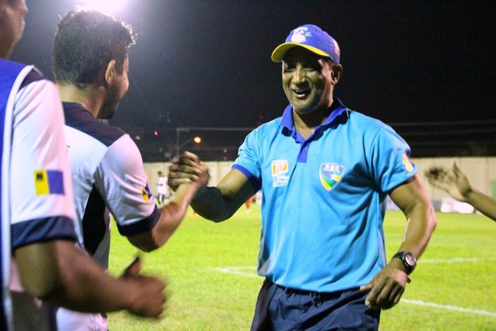 COVID-19: Treinador de futebol responsável pelo primeiro título estadual de Vilhena é internado