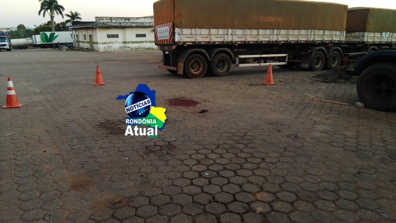 Caminhão Bi-trem esmaga corpo de homem em pátio de combustível de Ji-Paraná