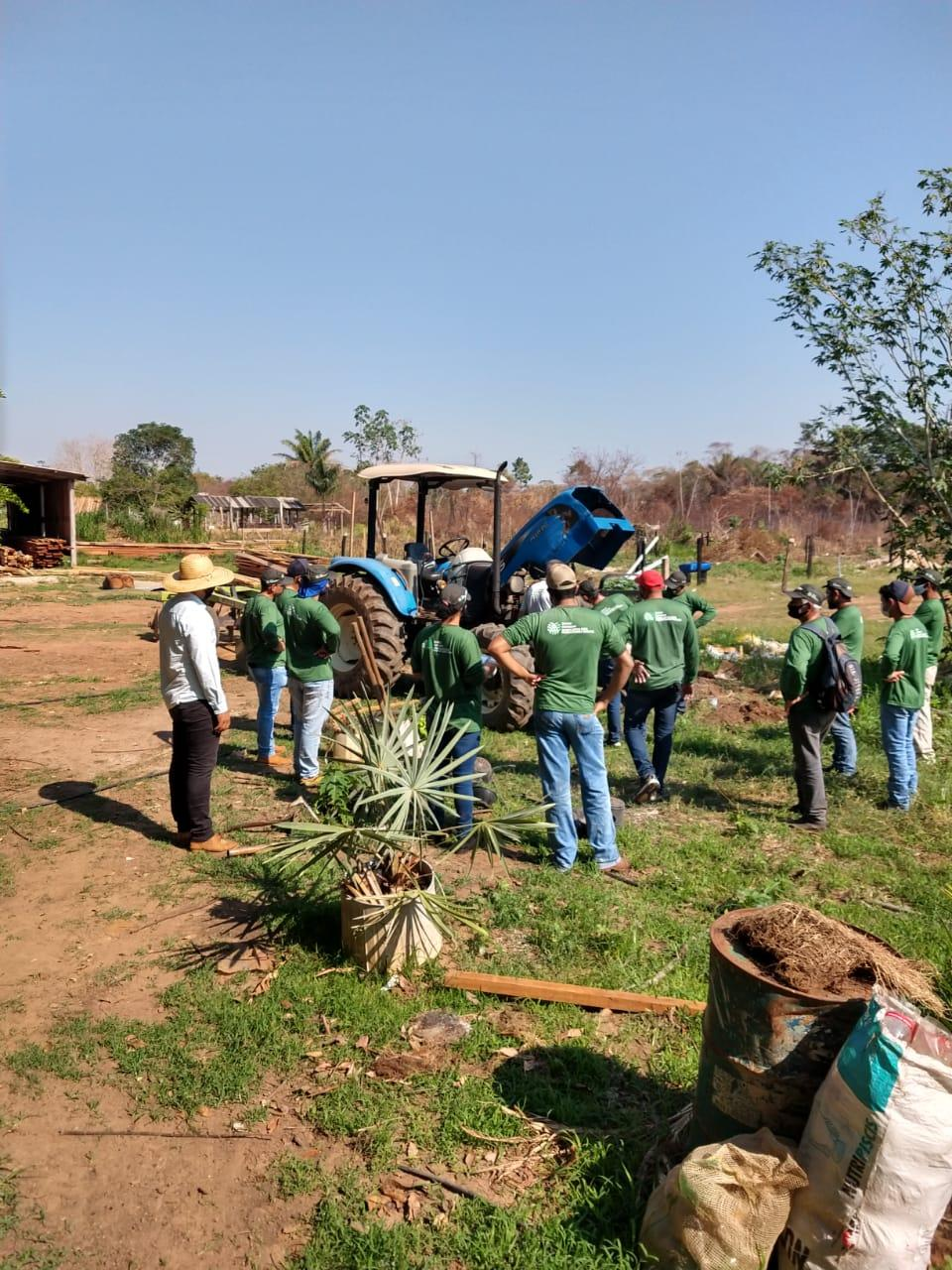 Começou nesta segunda-feira (13) o curso de operação e manutenção de tratores agrícolas