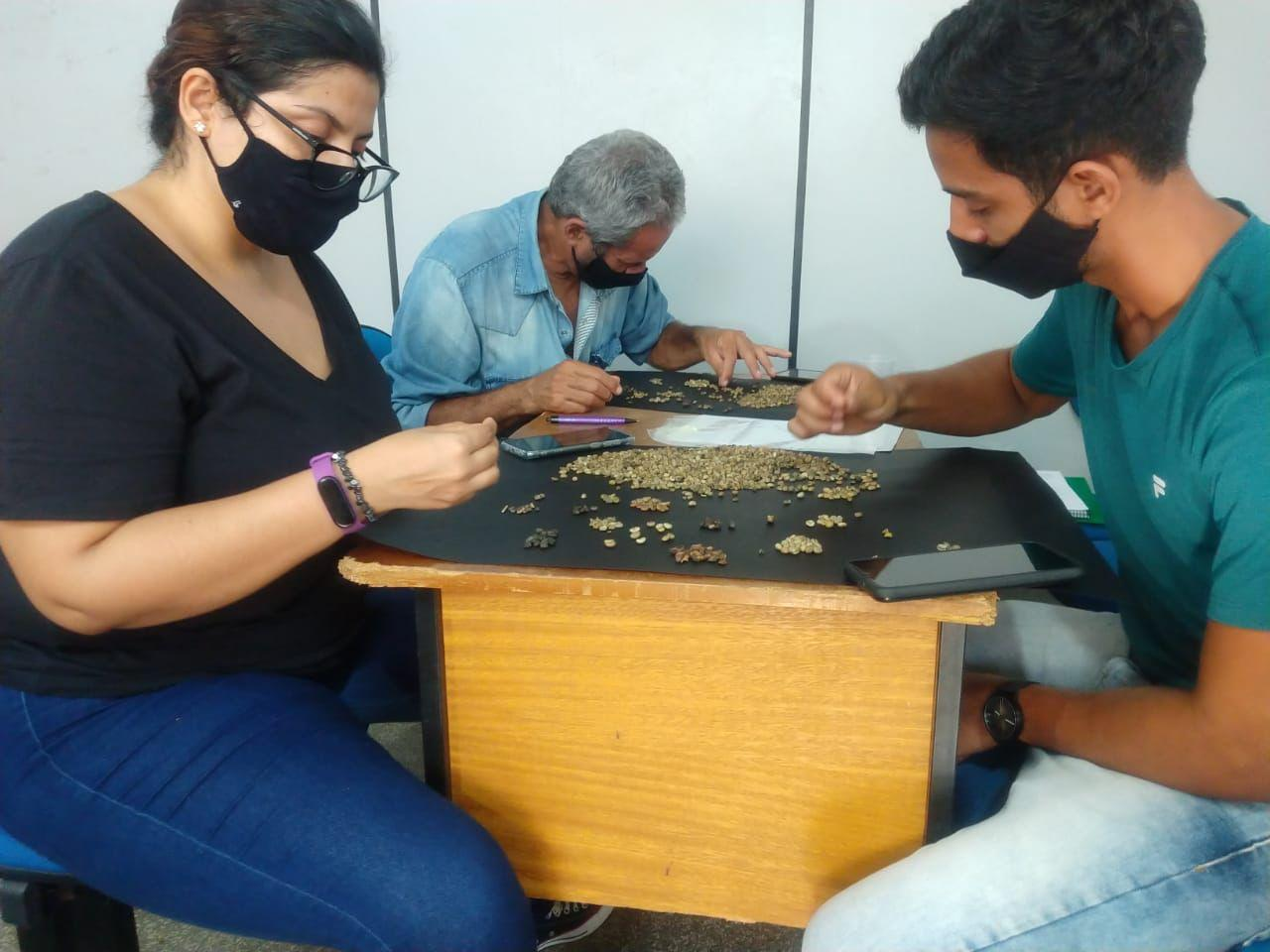 Semagri e Senar oferecem curso de qualificação do café em Rolim de Moura
