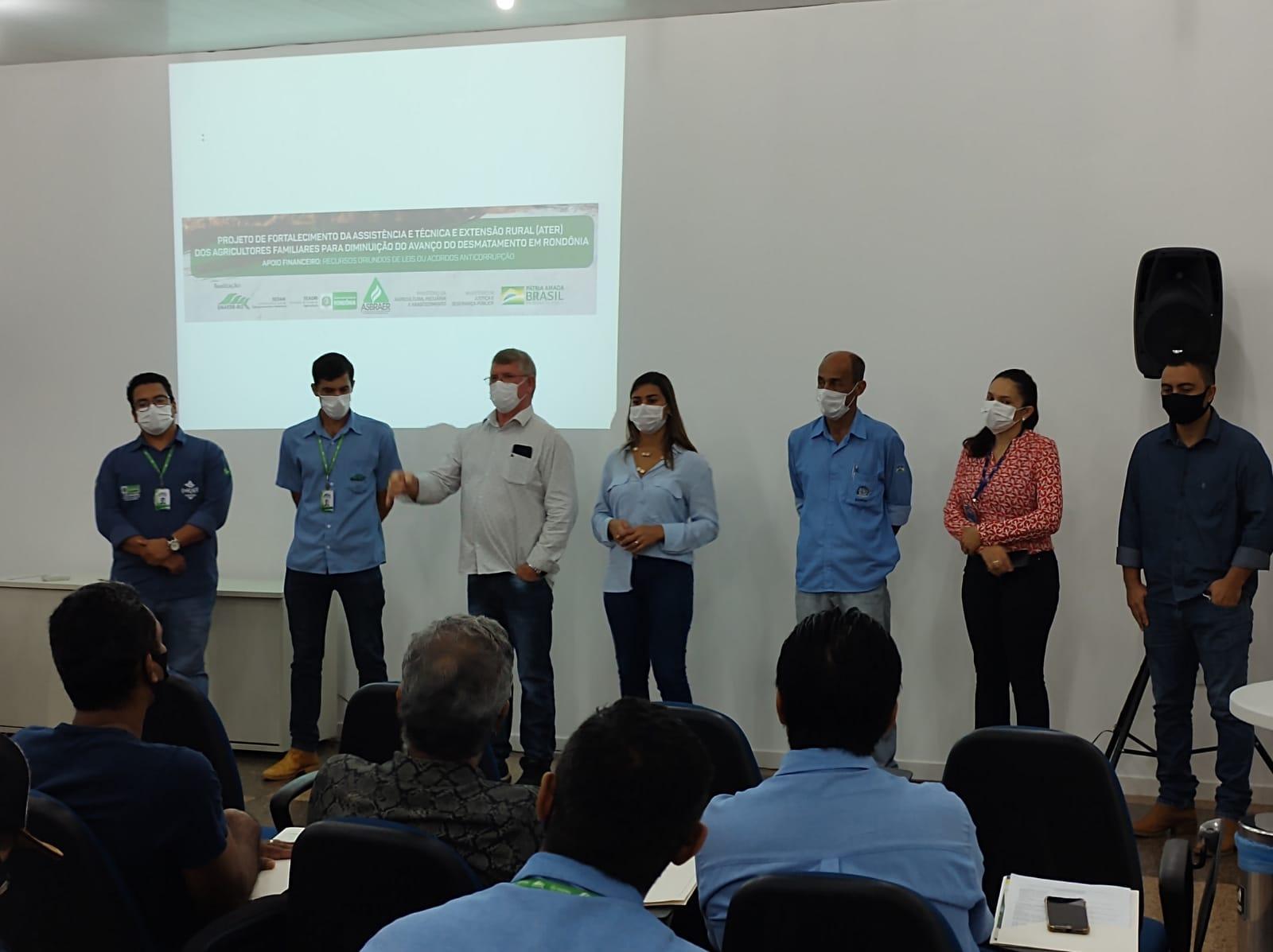 Rolim: Vice-Prefeito Alcides Rosa participa de evento com extensionistas da EMATER que aborda uso responsável de agroquímicos para a cultura do café